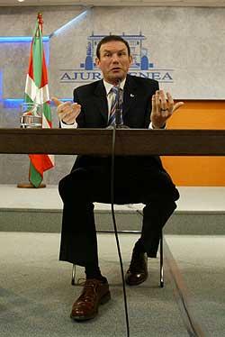 Ibarreche, todavía presidente del Gobierno vasco