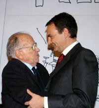 Conflicto interno Español - Página 2 Zapatero_carrillo